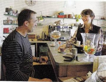 """Vivre et faire revivre au pays, quelques exemples pris à la volée dans """"Village"""" magazine.."""
