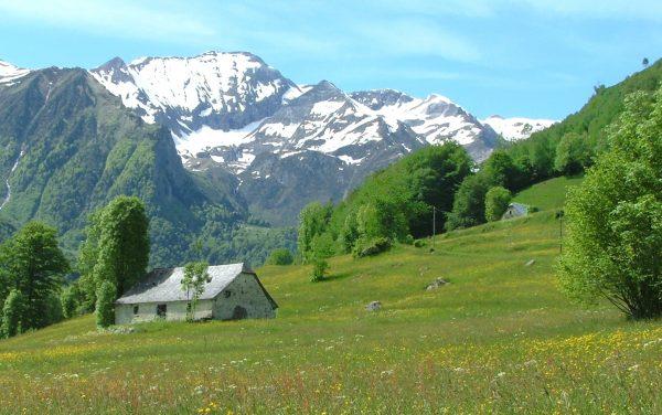 Au coeur des Pyrénées, une autre vie / Le feu de l'Esprit
