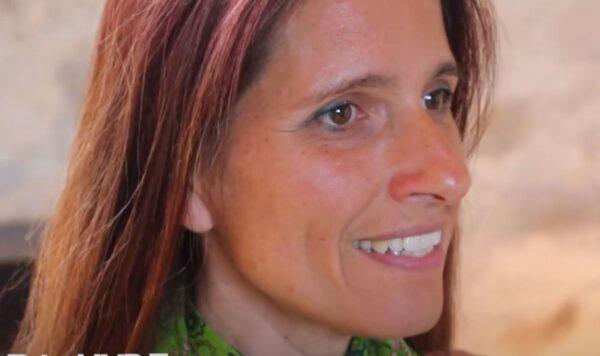 Véronika, chanteuse, musicienne, auteure-compositrice, chorégraphe