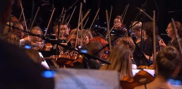 De la grande musique dans tous les sens du terme, entrainante, joyeuse et humaine !